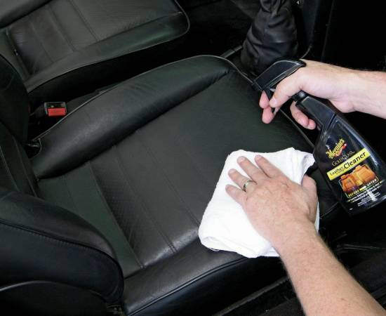 leather-treatment-for-car-as-detailing-service